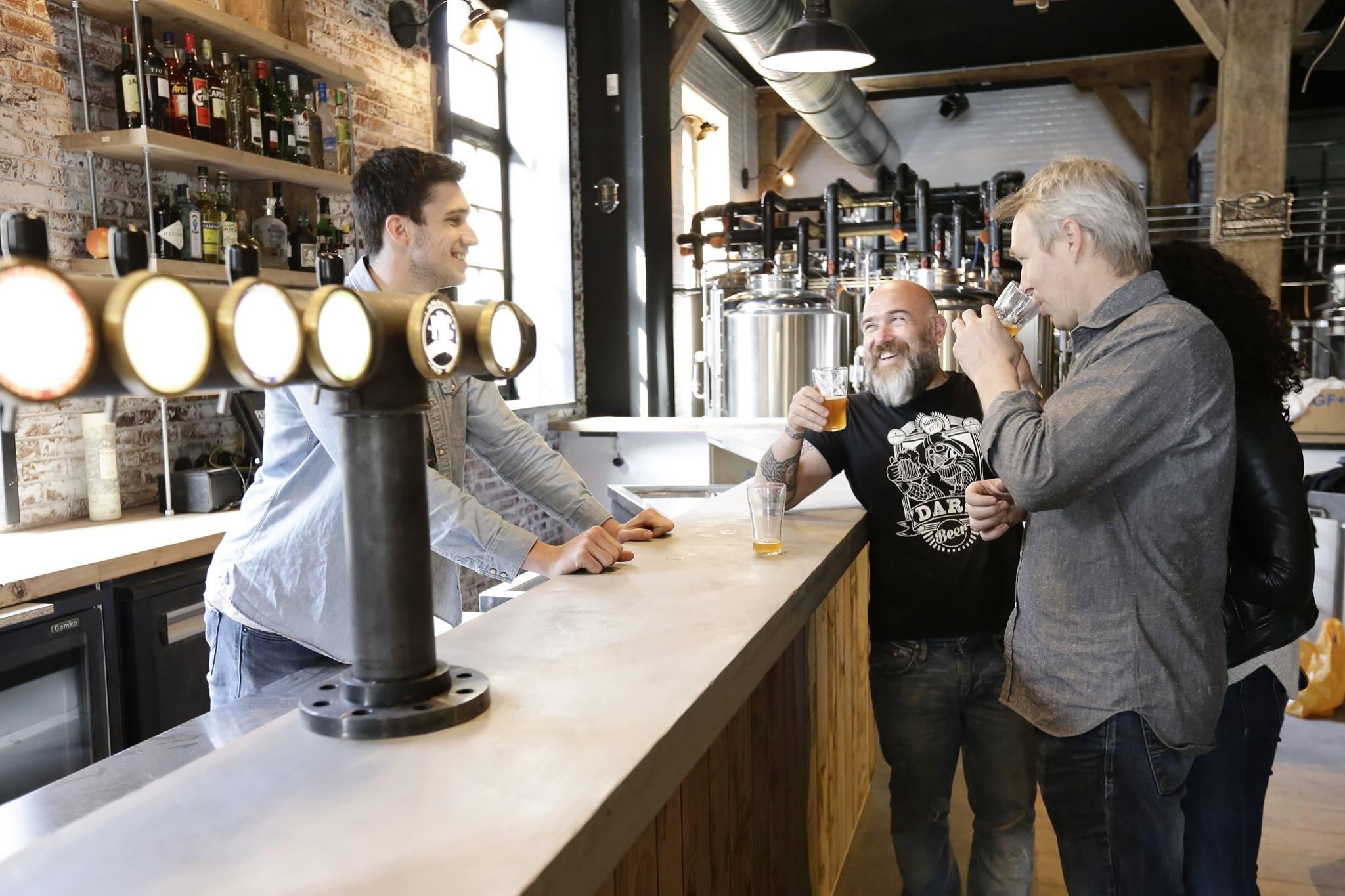 PBC, a cerveja fabricada na casa. Foto: divulgação.